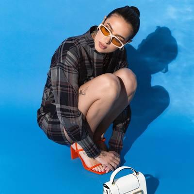 """Vasarą - nuogų kojų sezonas ON! 🥳🥳🔥  Suknelė """"Katy"""" pasiruošusi būti ištikima Tavo bendražyge - aukštyn galvą, atrodai žavingai 🥰😱👑  #bykarolinameschino"""